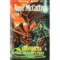 Anne McCaffrey MORETA: PANI SMOKÓW Z PERN [antykwariat]